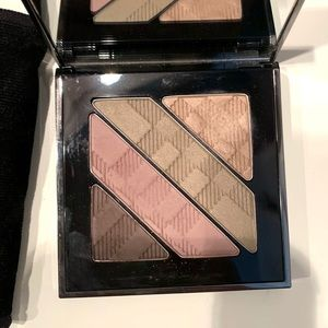 Burberry quad eyeshadow palette 06 pink taupe